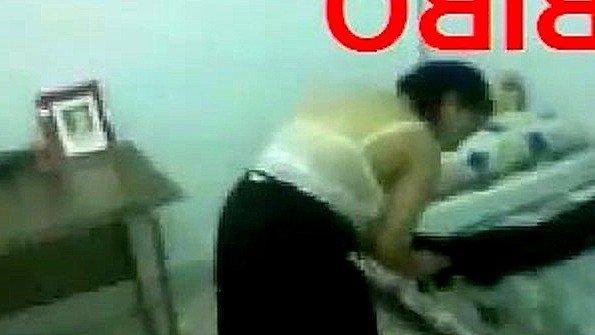 Араб снимает домашнее порно со своей титькастой женой