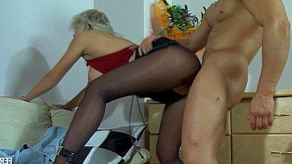 Русская сучка сана напросилась на секс с парнем