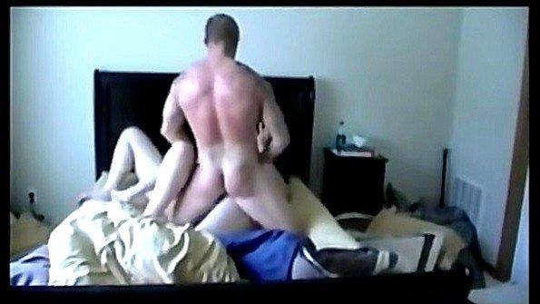 Ненасытный муж трахает свою жену и её подружку