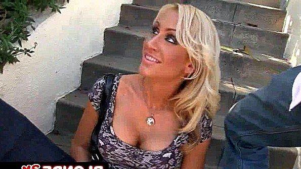 русское порно муж ебет соседку