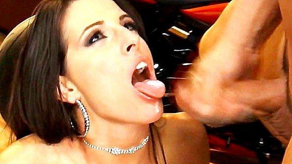 жена в душе любит трахаться в жопу