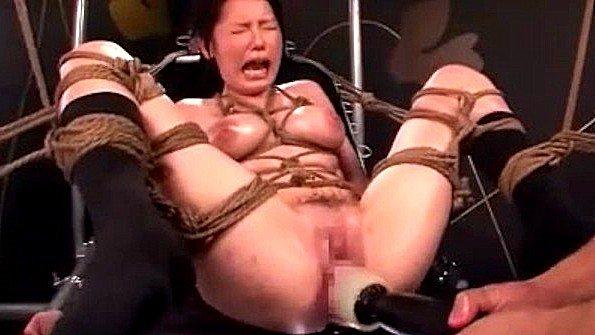 Столько множественных оргазмов связанная азиатка не испытывала