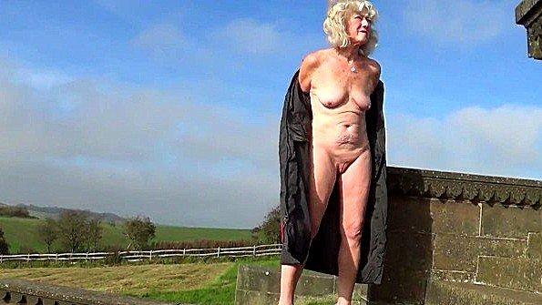 порно бабушка секс трахают