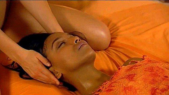 Потрясающий и нежный нуру массаж