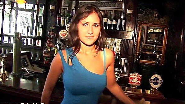 Пива не налили в баре зато разрешили помастурбировать на заднем дворе