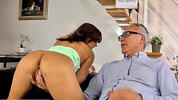 порно видео ебут учительниц