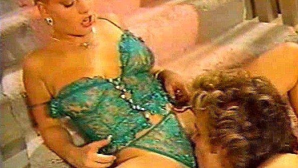 Винтажная порнушка с сексуальной блондинкой
