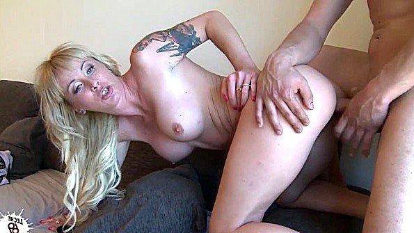 Так хотелось ебаться что пришлось будить сексуальную блондинку