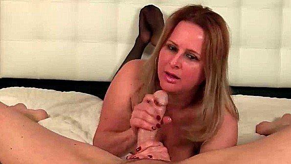 порно девушек трахают предметами